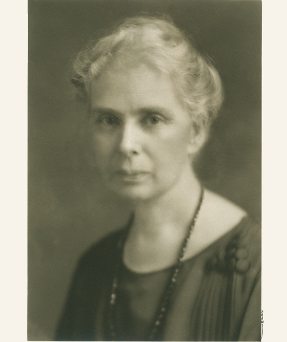 Photo of Juliette Maxwell