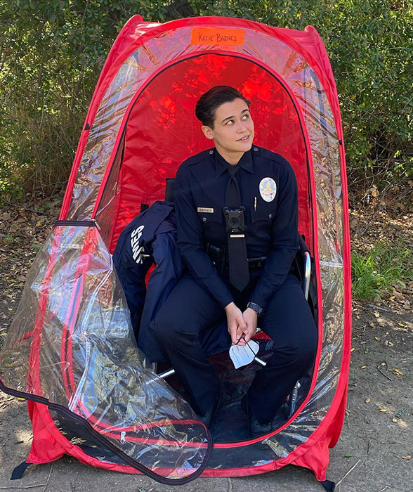 """Katy O'Brian on set of """"The Rookie"""""""